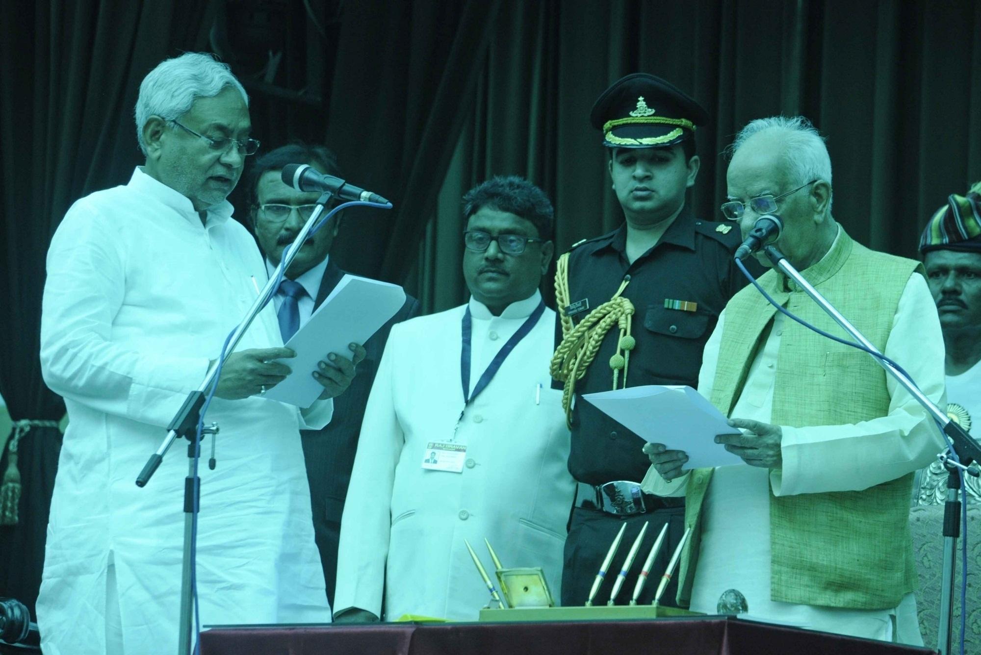 Nitish Kumar again sworn in as Bihar CM for 6th time