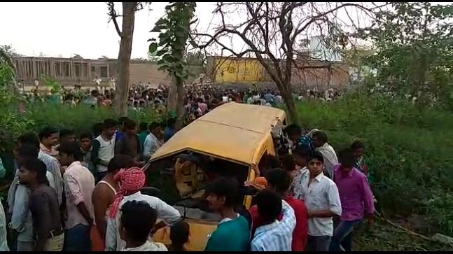 Thirteen school children, School children killed, Train rammed into their school van, Train accident, Divine Public School, Unmanned railway crossing, Accident relief medical train, Chief Minister, Yogi Adityanath, Kushinagar, Gorakpur, Uttar Pradesh, Regional news