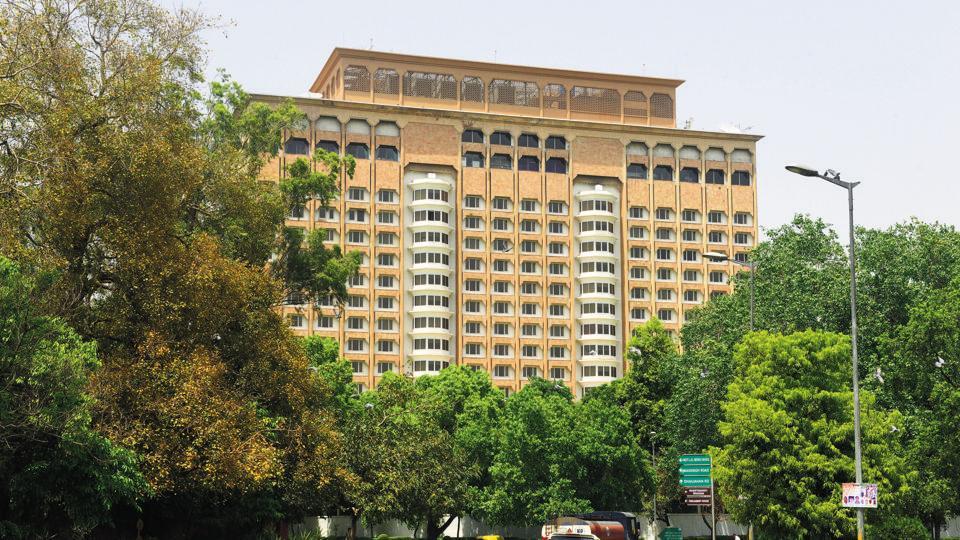 Delhi 39 s iconic luxury hotel taj mansingh to finally go for Luxury hotel group