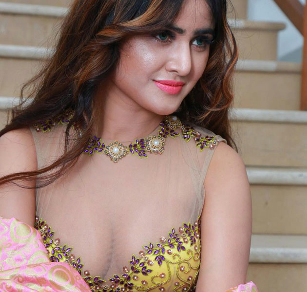 This South Actress Is Hotter Than The Fire See Pics Aaj