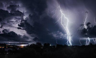 Lightning, Electrical storm, Utterly insane, Thunderstorms, Torrential rains, Britain, London, World news, Weird news, Offbeat news