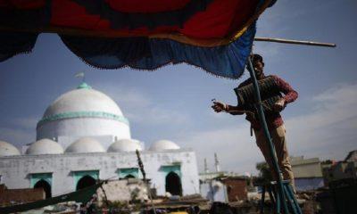 Muslim BJP leader, Mosque, Board at mosque gate, Muslim BJP leaders ban from entring mosque, BJP leader, Gujarat city, Vadodara, Gujarat, Regional news