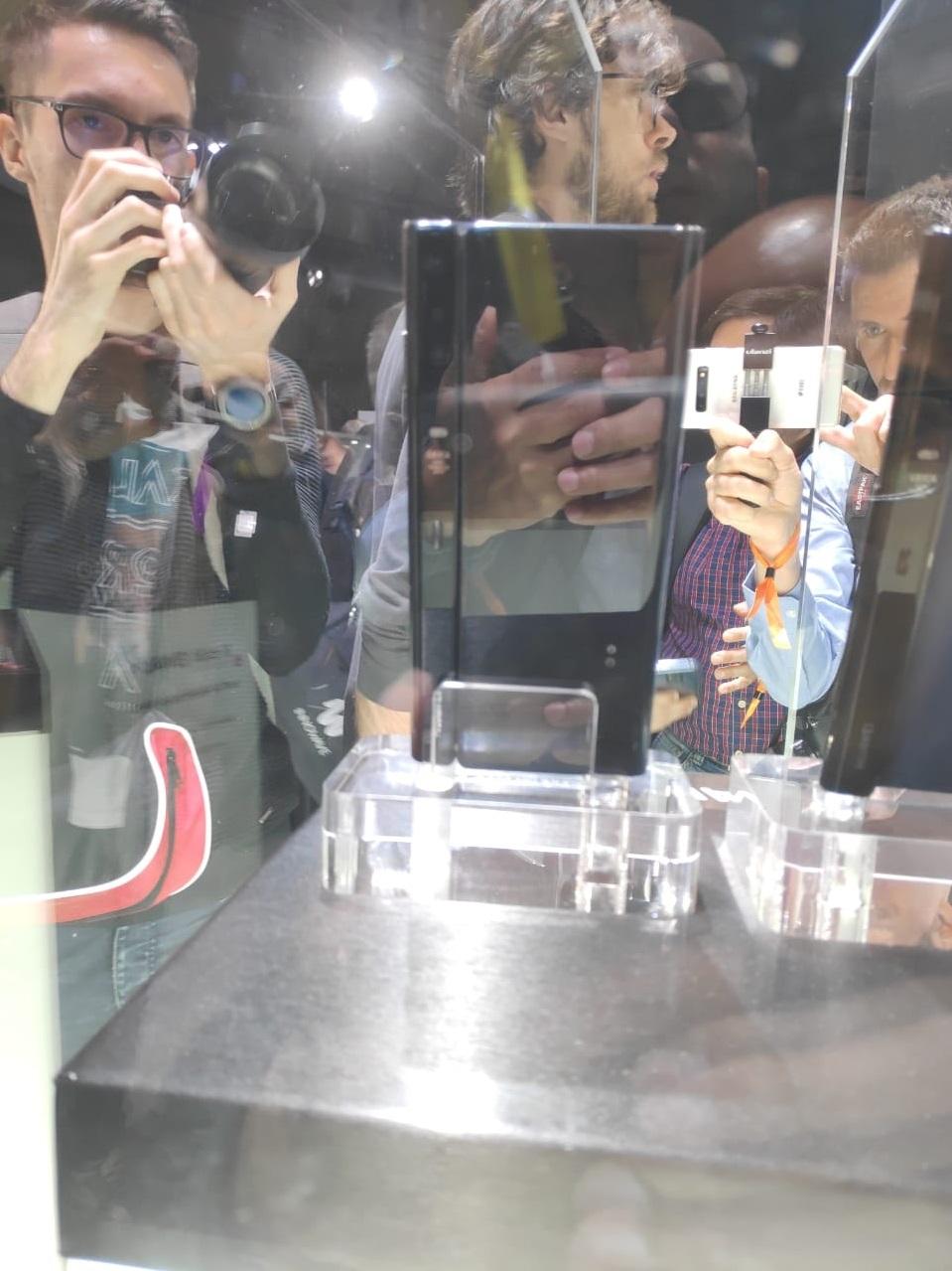 Huawei, Mate X, 5G smartphone, Chinese technology, Gadget news, Technology news