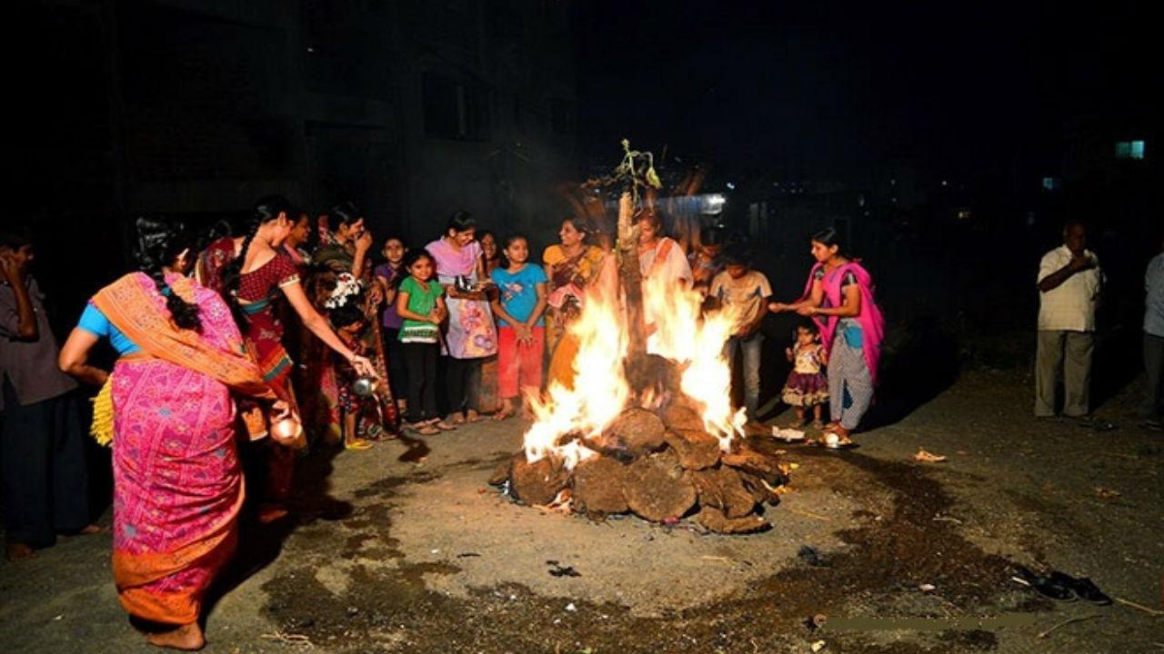 Holi, Holika Dahan, Mahurat of Holi, Timing of Holi, Rituals of Holi, Chhooti Holi, Badi Holi, Spring, Summers, Offbeat news