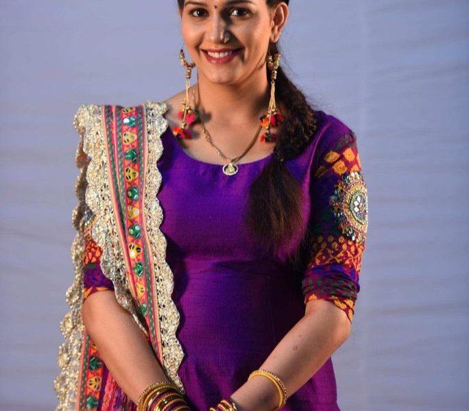 Sapna Chaudhary, Hema Malini, Haryanvi singer, Haryanvi dancer, Haryanvi stage dancer, Congress, Bharatiya Janata Party, Lok Sabha polls, Lok Sabha elections, Politics news