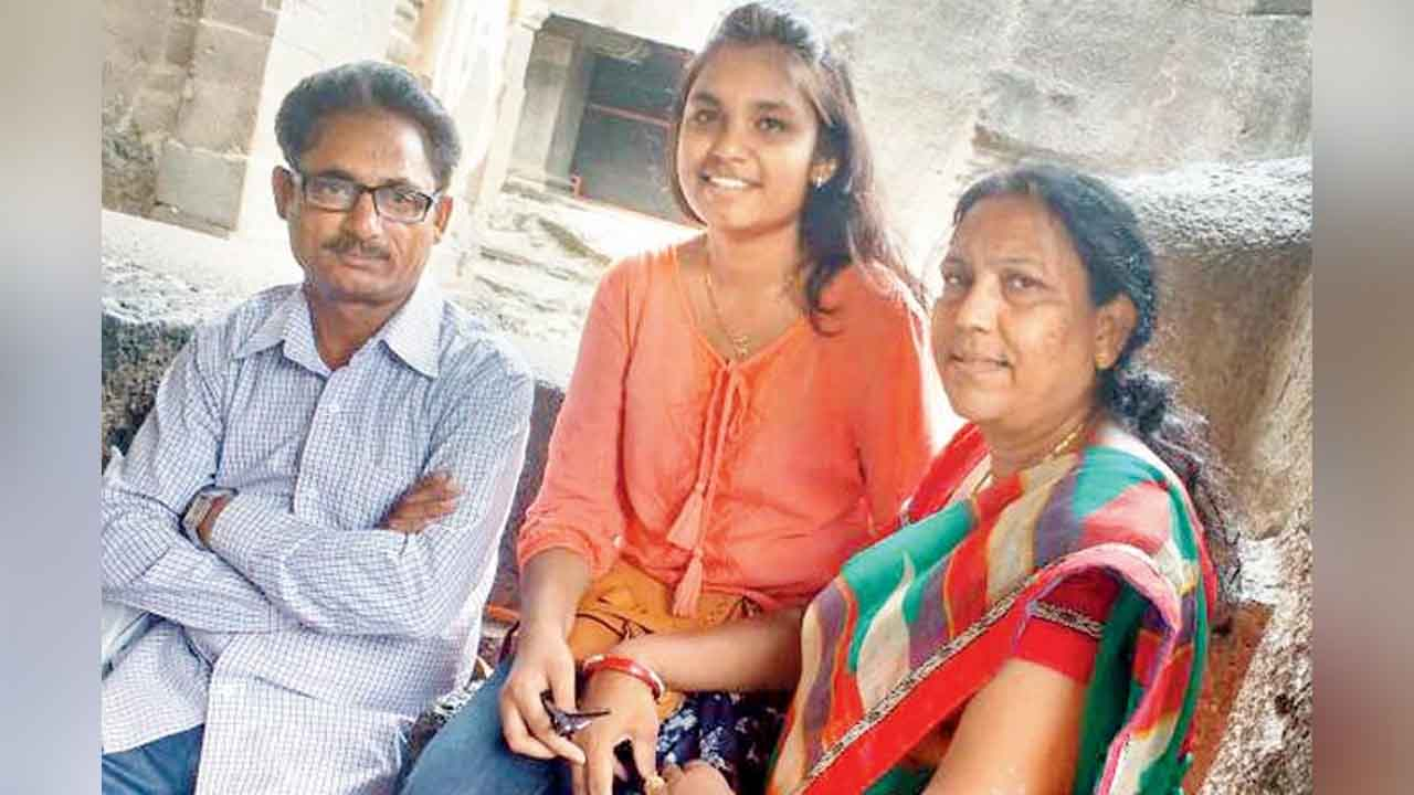 Medical student, Payal Tadvi, Akhilesh Yadav, Nair Hospital, Anti-ragging, Scheduled tribe, Scheduled caste, Mumbai, Maharashtra, Regional news